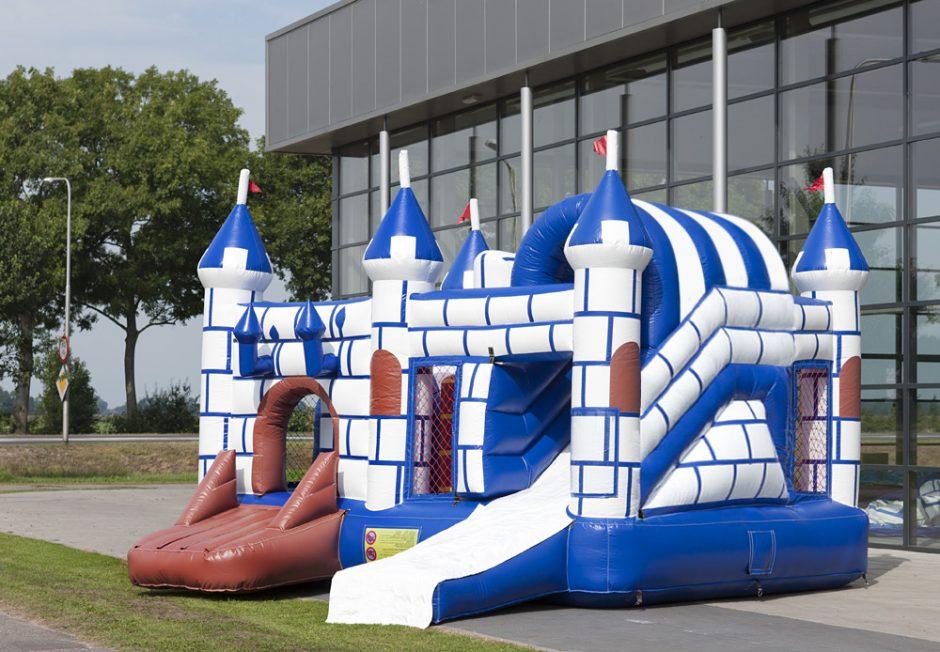 Location jeu gonflable château fort